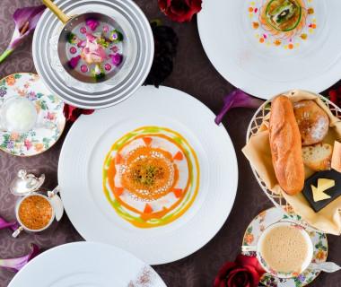 コースは全7コース 使用している食材の数も素材も結婚式場ではなかなかないお料理です。 大切な皆様へ~最高のおもてなしウェディング~が叶います