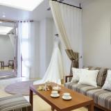 オリオン ホテル モトブ リゾート&スパ内にある専用ウエディングサロン