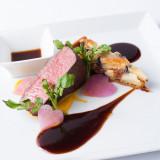 肉質もしっとりとキメの細かい宗像牛フィレ肉のロースト