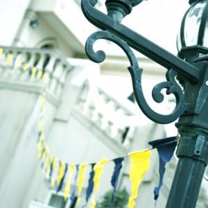 オリジナルフラッグを手作りし、ガーデンを色鮮やかに♪|ソフィーバラ教会(グランドサンピア奈良)の写真(1099792)