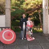 日本家屋ならではの佇まい。袴や和装のお衣装も引き立ちます。