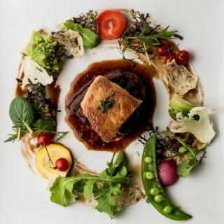 【初めての見学も安心】シェフ特製の美食体験×緑溢れる会場見学