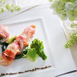 彩り鮮やかな料理がゲストに人気。