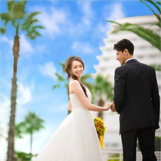 【9/1-30までの平日フェア限定】50名以上の結婚式で国内・海外旅行10万円キャッシュバック!!