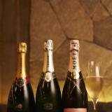 乾杯スパークリング、シャンパンに関してもお二人の好みをお伺いすること可能です♪モエやフェラーリなどのご用意もあります。