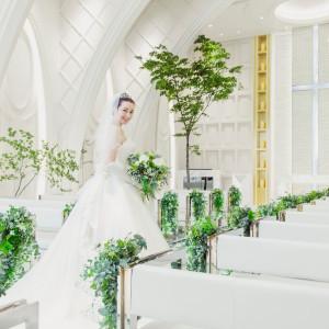ウェディングドレスの様な「純白」に包まれたチャペル|アネーリ長岡の写真(3060725)