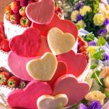 バレンタインにぴったりなハートがたくさんのキュートなケーキ★