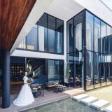 近代建築がみごとに調和する非日常的な洗練された空間で、上質な寛ぎを