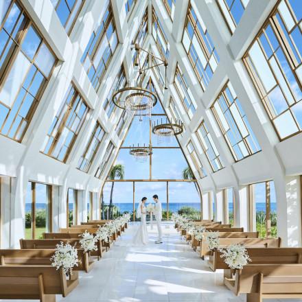 ザ・ギノザリゾート 美らの教会(アールイズ・ウエディング)