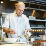 """グランドシェフ""""マシュー クラブ""""。日本ではパークハイアット東京のレストランニューヨークグリルの料理長も勤めた経歴も。"""