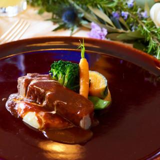 \8月7日~15日のお盆期間限定/山手十番館レストラン名物「特製タンシチュー」無料試食!