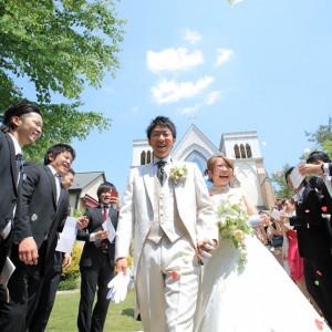 ゲストと笑顔あふれるセレモニータイム|聖ラファエル教会(岐阜)の写真(2090944)