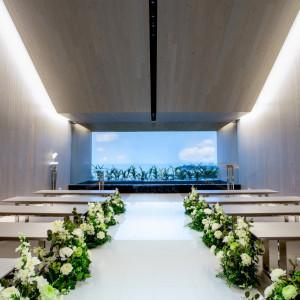 沖縄らしいチャペルでリゾ婚を。|ブルー インフィニティー/ILE DE RÉ (イル・ド・レ)●小さな結婚式の写真(1522168)