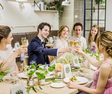上質なおもてなしが叶う、オープンキッチンを併設したアットホームなパーティ会場