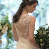 世界でいちばん美しいドレスコレクション「プロノビアス」で上品な花嫁に。