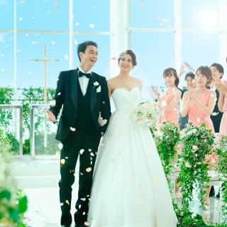 衣裳・会場使用料・ウエディングケーキ・写真等、結婚式には欠かせないアイテム最大100万円分プレゼント