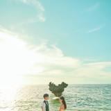 美しい空と海がふたりの永遠に寄り添う