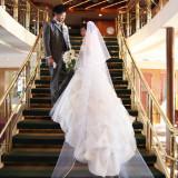 貸切船クラシカ号の大階段! ウエディングドレス姿の素敵な1枚が撮影できます♪