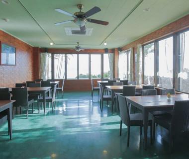 見晴らし抜群の『アロハカフェ』当日はゲスト待合室として、ご使用になれます。