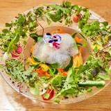 ハーブのサラダ いろいろな野菜のリーススタイル