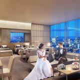 スイートルームからは大阪の街並みを一望。挙式後は二人だけのプライベート空間を楽しんで! ※完成予想図#グランドオープン #スイートルーム宿泊 #隈 研吾 #結婚式の夜