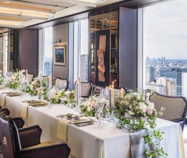 開放的な空間と高層階からの眺望で上質なパーティを
