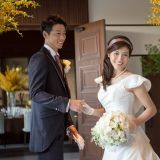提携のドレスショップから、多彩な花嫁スタイルをプランナーがご提案
