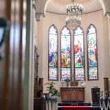 提携の独立教会で厳かなチャペル式