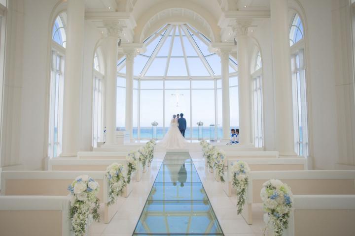 美しいロケーションでの2人だけの結婚式