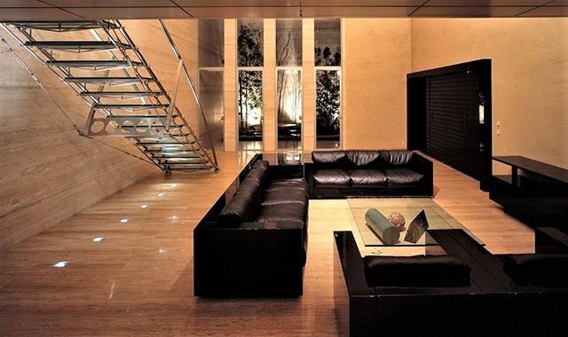石と水の邸宅。上質で飾らない贅沢プライベート空間