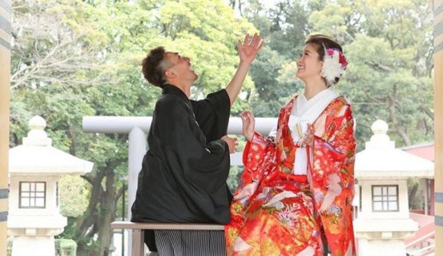 結婚式、2着目のお色直しは「和装」or「カラードレス」?衣装の種類も