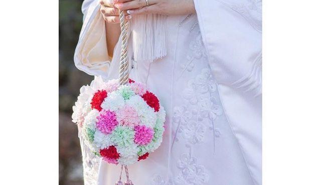 【編集部がやってみた!】「ボールブーケ」のつくり方とデザインアイデア実例 #花嫁DIY