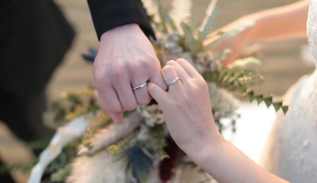 結婚指輪の金額相場・選び方・刻印など、カップルの実情まとめ【アンケート】
