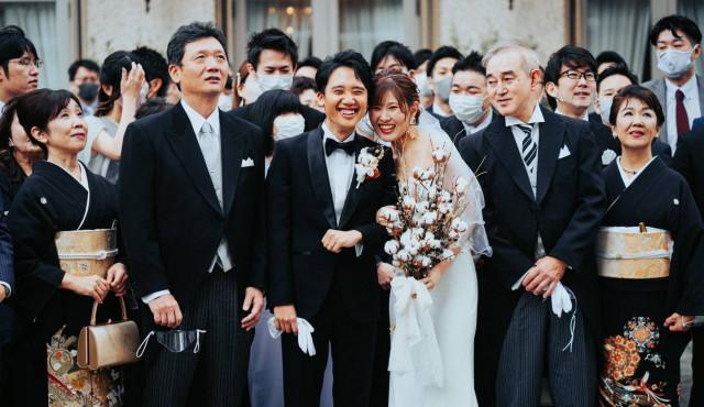 【両親・兄弟・親戚】親族の結婚式服装マナー!レンタルや持ち物など徹底解説