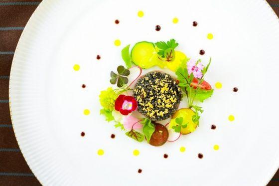 5c2a3fd4e6b53 ガーデン・プール付きの貸し切り一軒家ウエディングが叶う「アールベルアンジェ名古屋」。「料理の満足度=結婚式の満足度」と謳うように、お料理の満足度も高い会場  ...