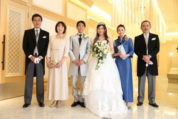 a3a023c10bfc7 結婚式はお母さんもドレスで出席。ドレスのレンタルショップMama s Dress ...