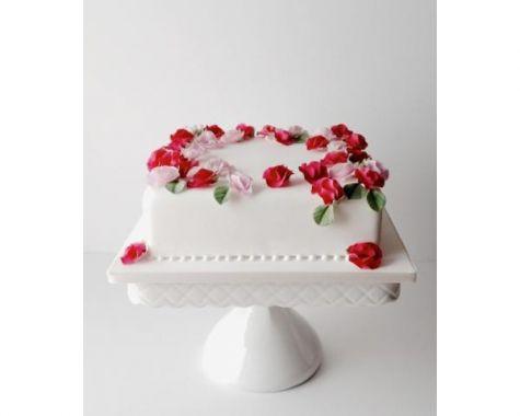 ウエディングケーキの種類やオーダー方法!ケーキのデザイン例