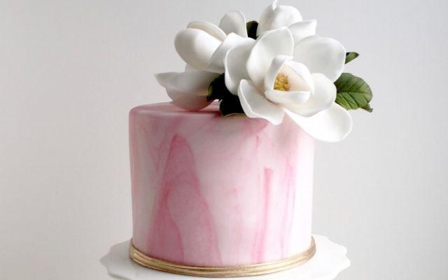 """海外発!ウエディングケーキの新デザイン*""""にじみケーキ""""がかわいすぎる!"""
