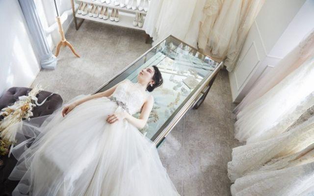 「ヴェラ・ウォン」が49,800円!ハイブランドドレスのレンタルドレスサロンがオープン