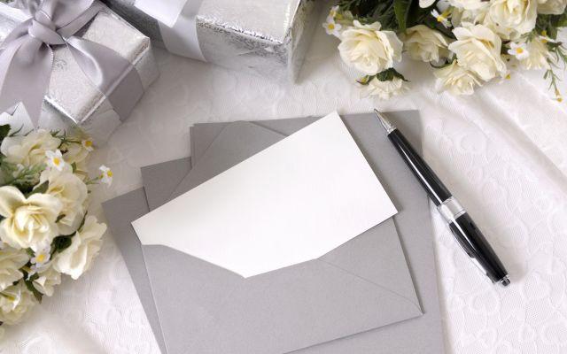 心がこもった結婚式招待状の正しい作り方*基本マナーをおさらい【花嫁・花婿向け】