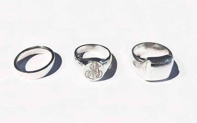 メッセージを込めた、オリジナルリング♪フランス・パリの職人手彫りのリング「LETTRE;Ring」