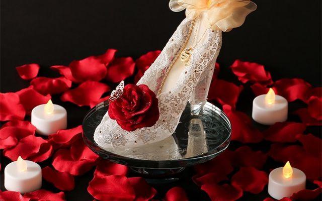 この冬のプロポーズは「ガラスの靴」で決まり! 女性の憧れを詰め込んだプレゼントで大切な一日を演出♪