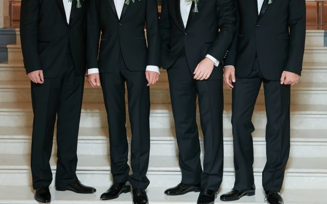 d4f739f780298 そのスーツ大丈夫? 男性ゲストの結婚式服装お呼ばれマナー!NGマナー ...