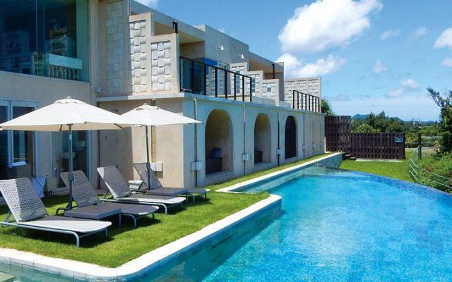 沖縄の「chillma Resort」が期間限定で挙式プランの半額キャンペーンを実施♪