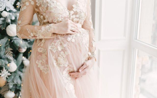 現役プランナー監修【おめでた婚】式の準備は「いつ挙げる?どんなドレス?演出はなにを?」をおさえて♪