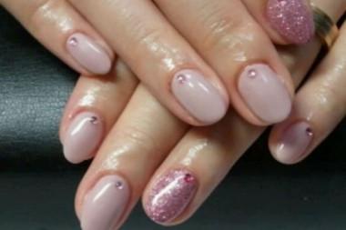可愛いピンクのマット塗りです。