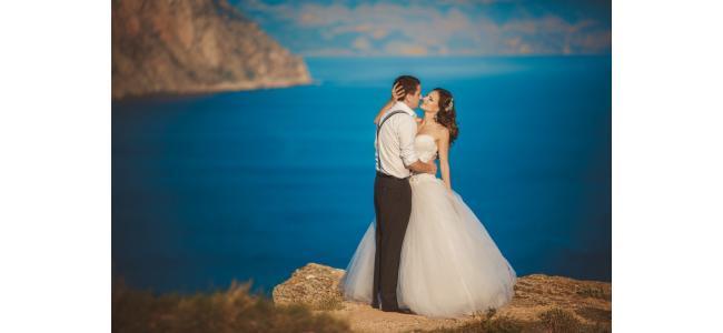 """素敵な写真を撮る秘訣は""""ウエディングドレス""""?!先輩花嫁が伝授する海外ウエディングのドレスの選び方♡"""