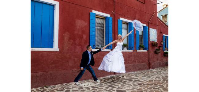 えっ!これ結婚式?!ぶっ飛びすぎ(笑)海外の個性派オリジナルウエディング3選