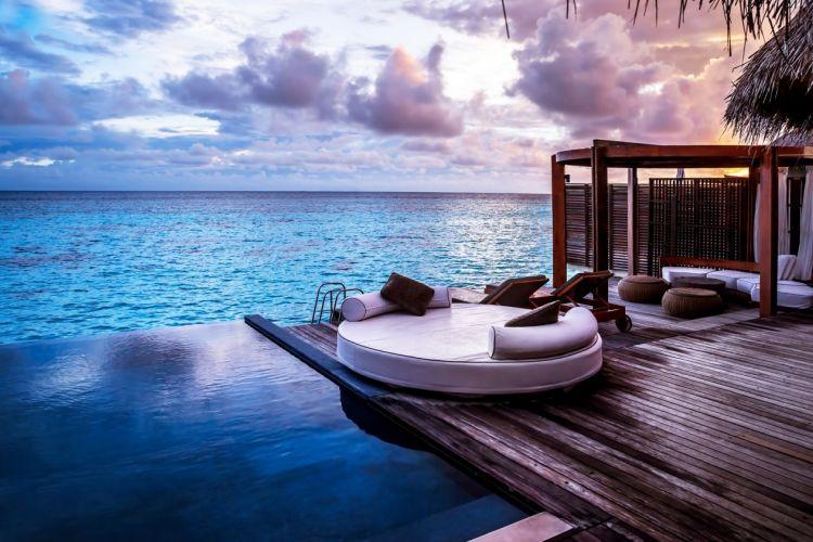 モルディブのラグジュアリーホテルで叶える大人ウエディング3選♡