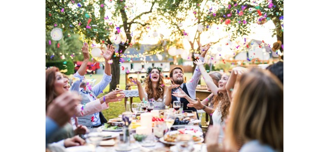 海外挙式の後は国内披露宴・1.5次会でもお祝いされちゃおう